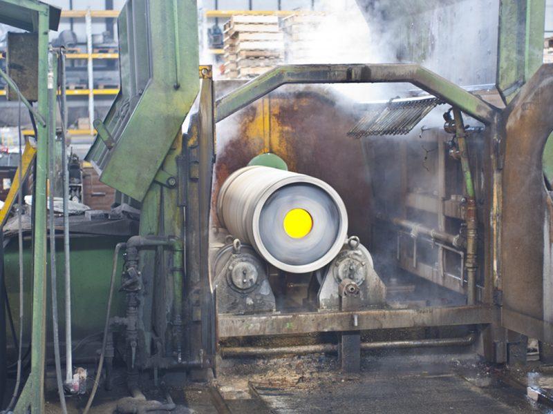 Fonderia di Lonato produce tubi di diverse misure in accaio speciale con le centrifughe dei propri reparti.